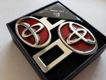 Заглушки ремней безопасности Toyota красные