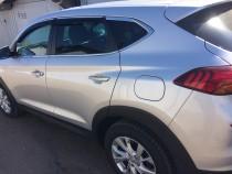 Дефлекторы окон Hyundai Tucson 2015- с хромированным молдингом Cobra Tuning