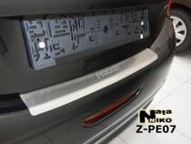 NataNiko Накладка с загибом на бампер Peugeot 208