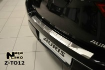 NataNiko Накладка с загибом на бампер Toyota Auris 2012-